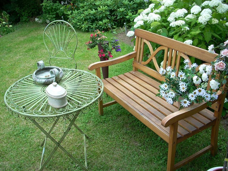 Choix d 39 un salon de jardin chariot de jardin for Salon de jardin couvert